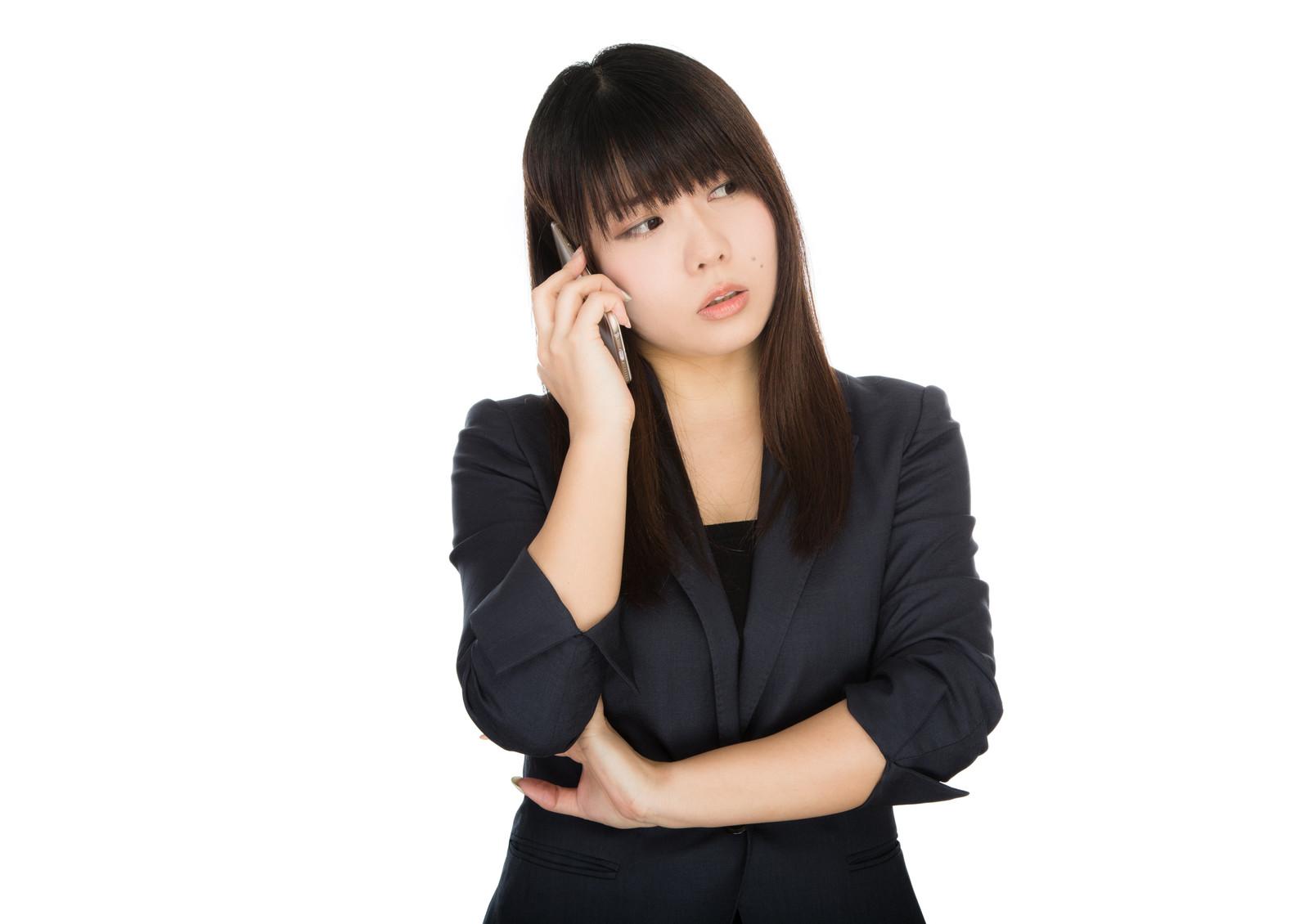 スマホの通話を録音する方法は?無料アプリでもできる?
